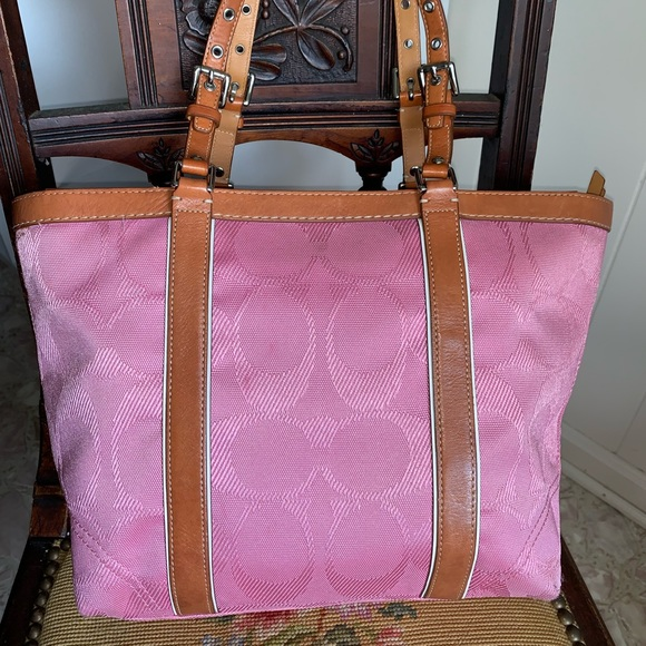 Coach Handbags - Coach bag, pink.